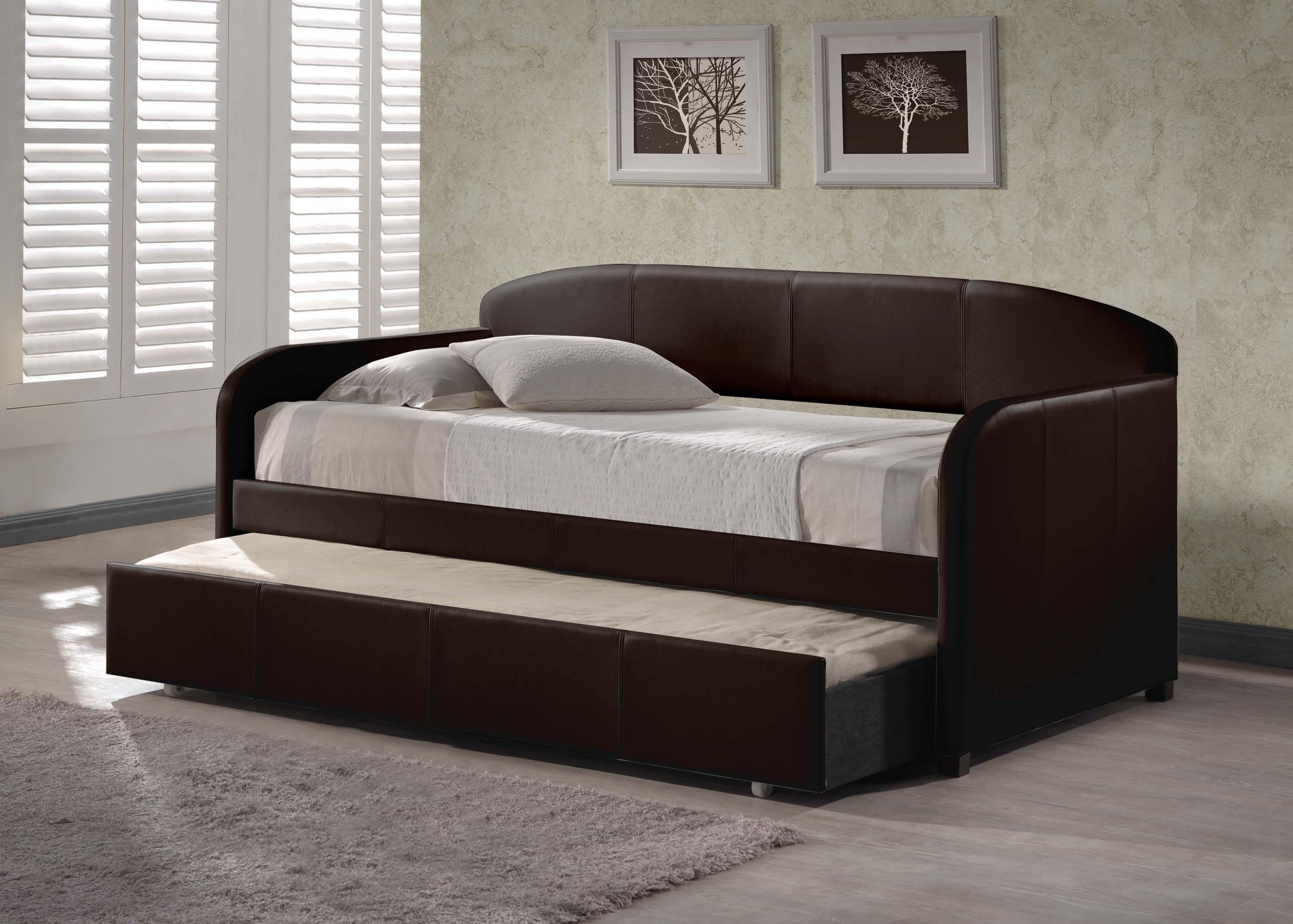 Modern Daybed With Trundle Design