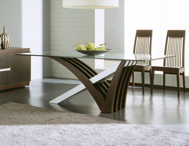 Modern Dining Table With Unique Shapes