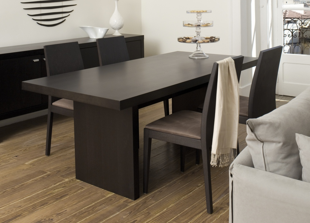 modern dining table wooden base