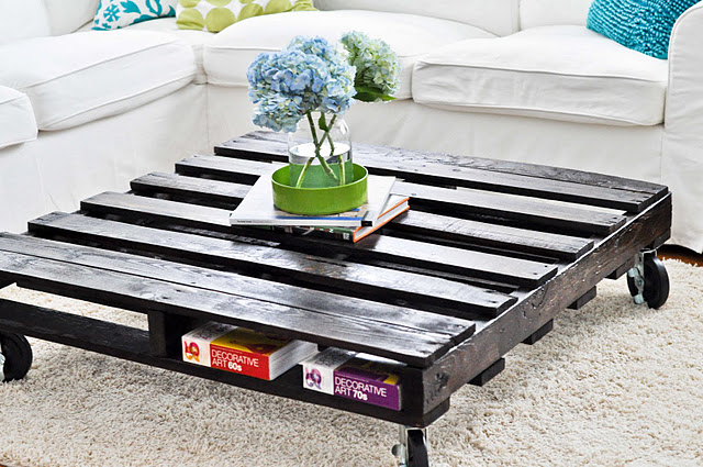 Creative Diy Pallet Coffee Table