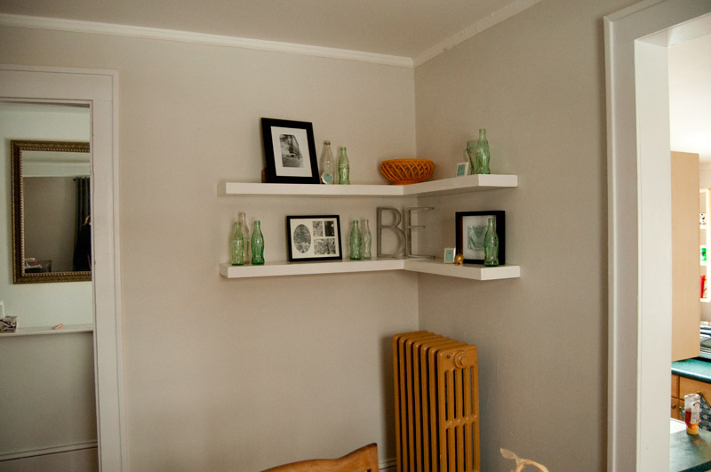 Decorative Floating Shelves With Tag