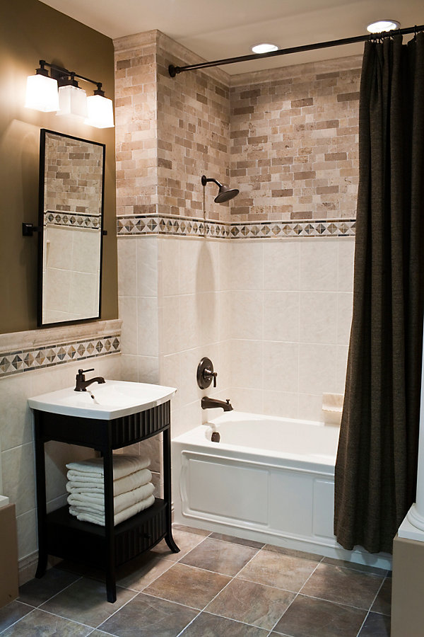 Traditional Bathroom Tile Ideas ...