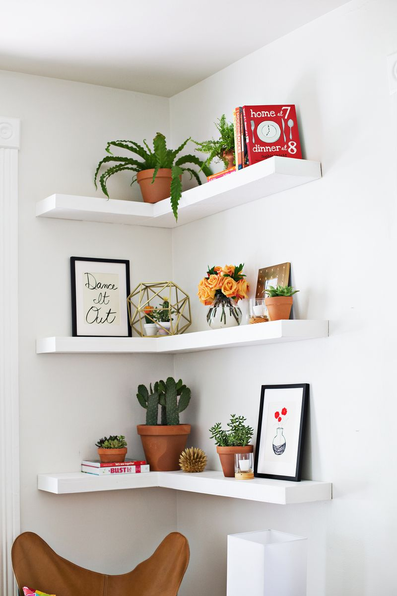White Corner Florating Shelves