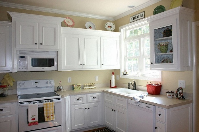 White Painting Kitchen Cabinets Elegan looks