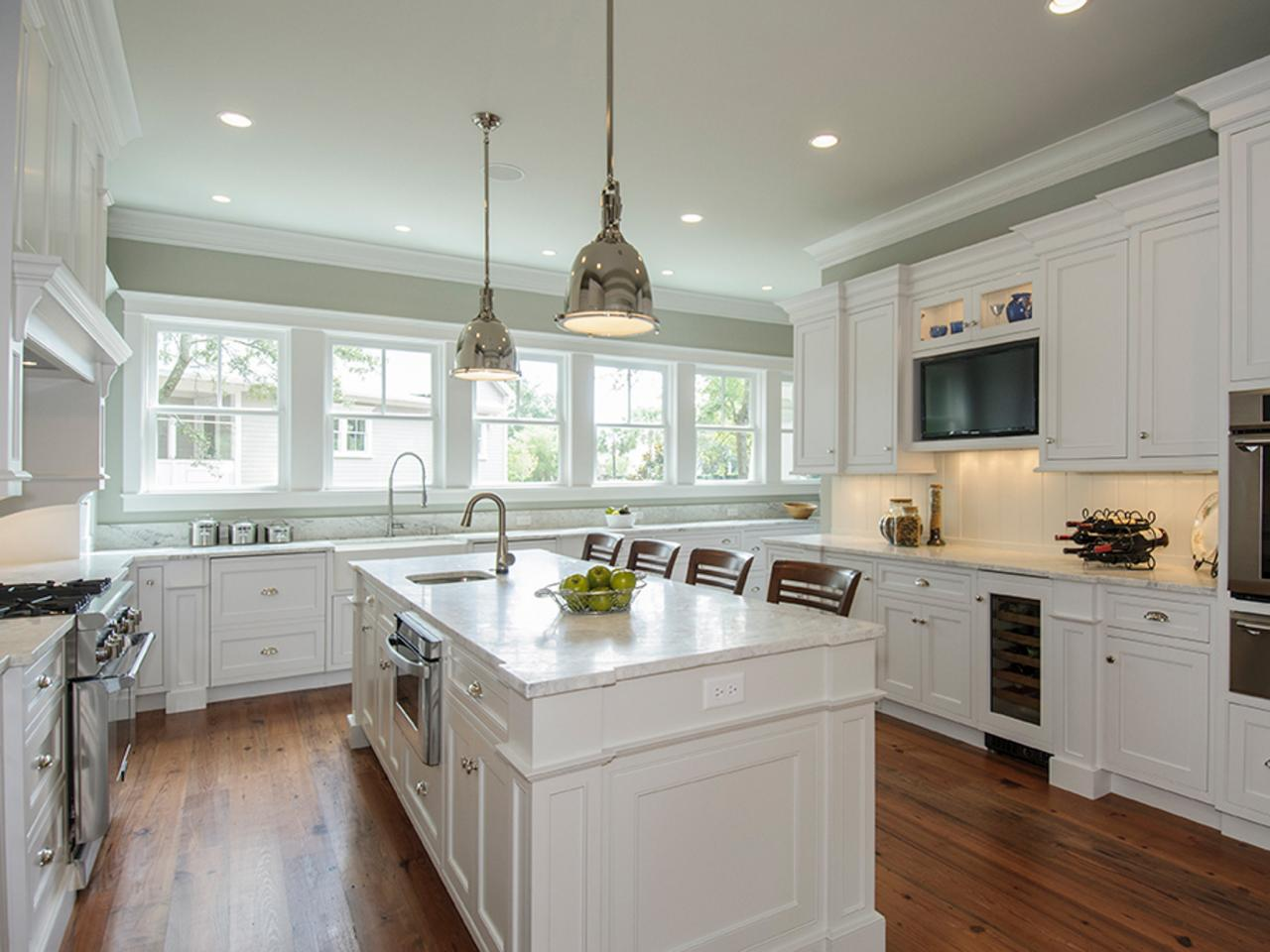 White Painting Kitchen Cabinets